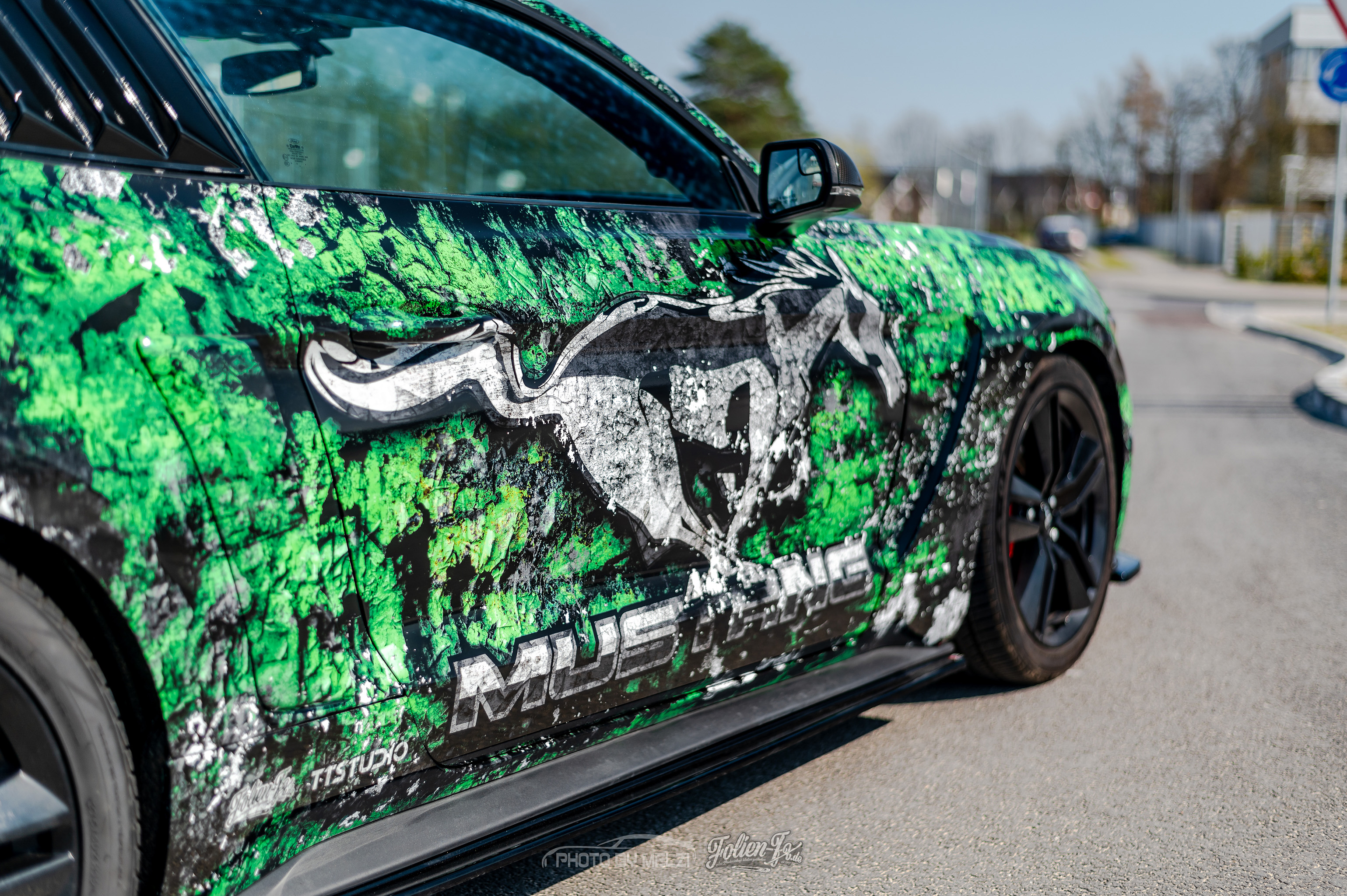 💥 Cracked green Mustang 💥