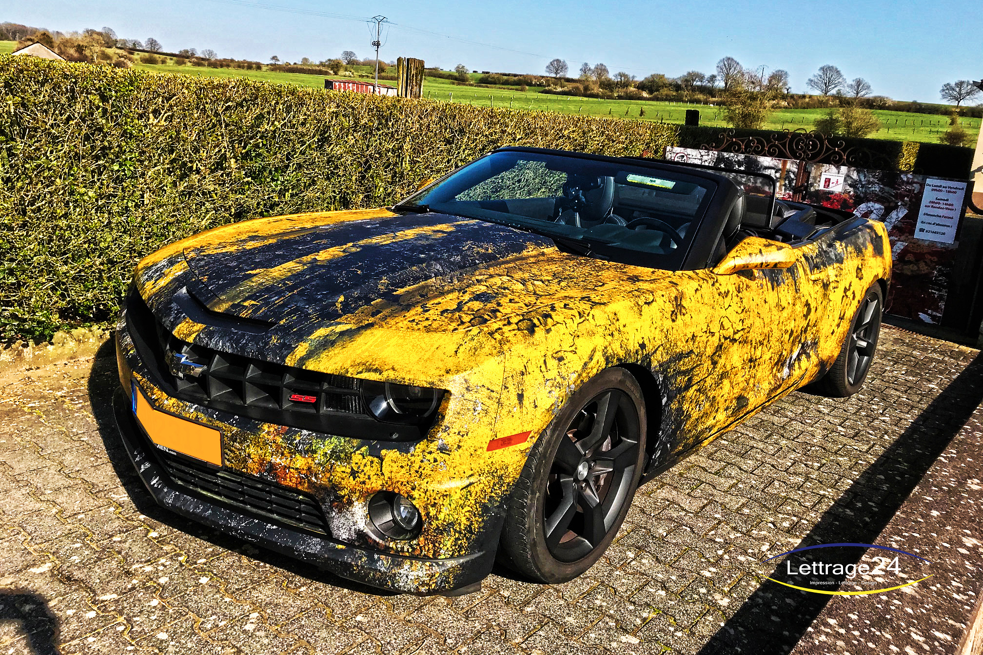 💥 Cracked yellow Camaro 💥